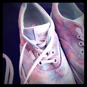 💎Any <$10 💎3/$15  5/25  Van's Tie dye Sneakers